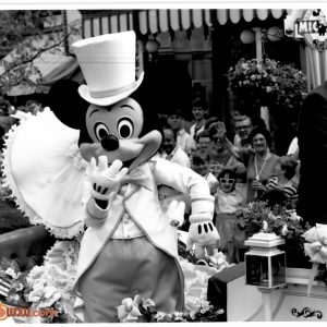 Mickey-1990-Easter-Parade-PR
