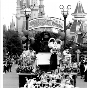 Roger-Rabbit-1990-Easter-Parade-PR