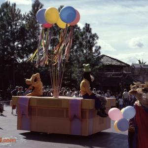 1978 Magic Kingdom Parade Frontierland