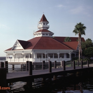 Grand Floridian & MK Entrance Sep 1996_6