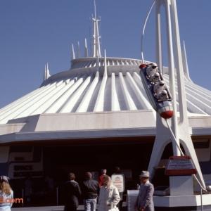 Space Mountain Entrance