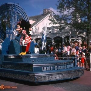 Mickey Minnie Tencennial Float 1982
