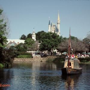 Rivers of America Keel Boat