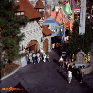Fantasyland Skyway Fountain Nov 77