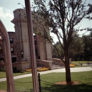 Disney-MGM Backlot Tour: Washington Square Arch