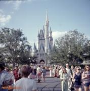 Magic Kingdom Hub and Cinderella Castle