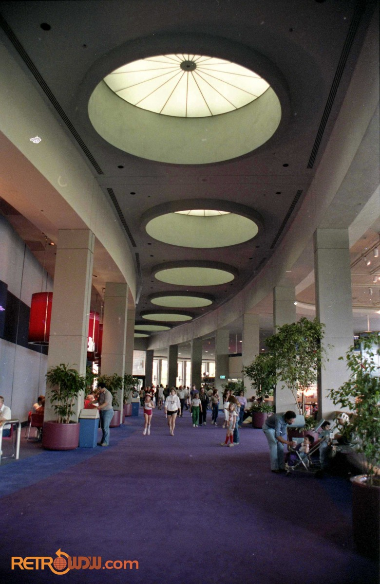 Communicore East Hallway