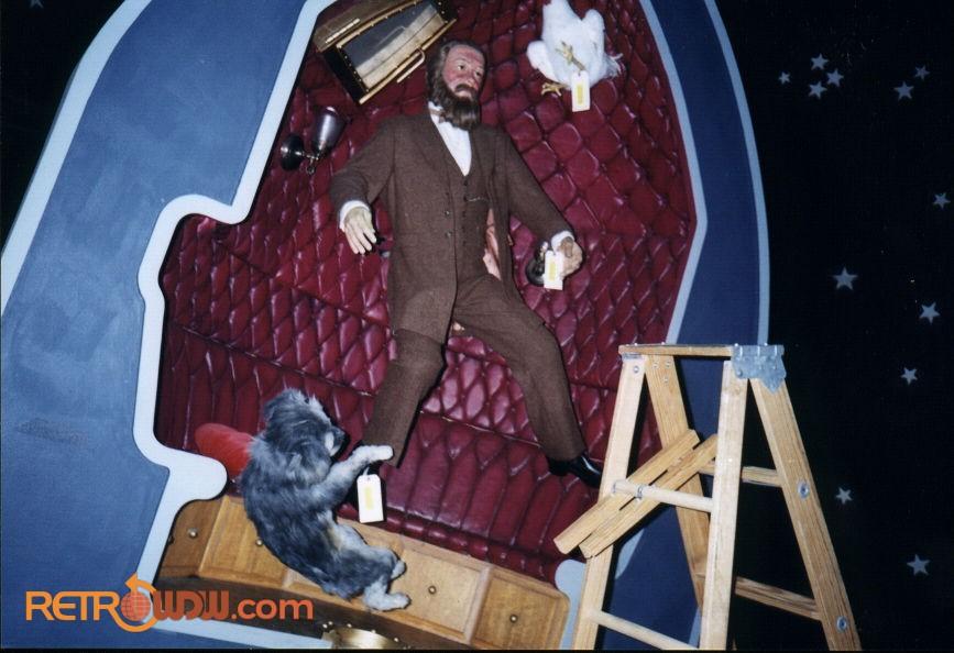 Jules Verne Scene