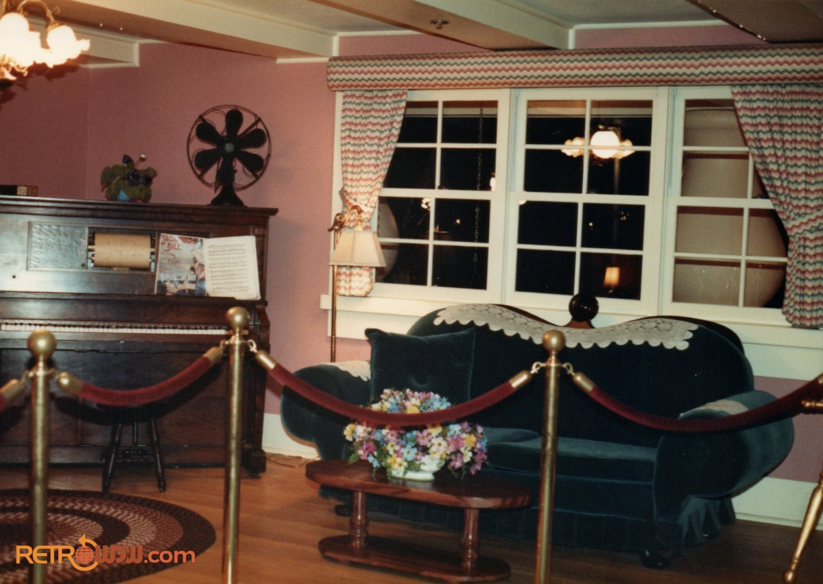 Mickey's Birthdayland - Inside Mickey Mouse's House