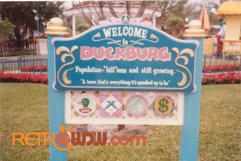 Mickey's Birthdayland - Welcome to Duckburg Sign
