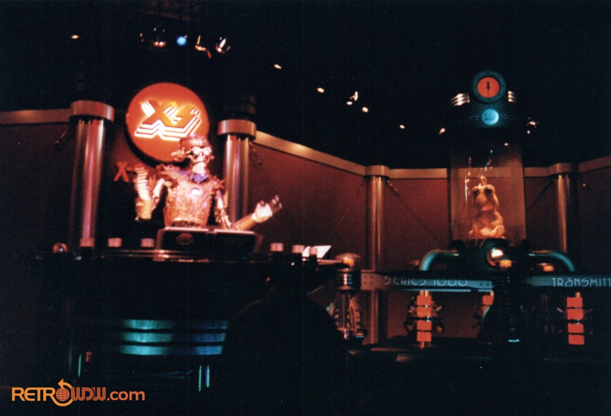 Alien Encounter Pre-Show with T.O.M. 2000 and Skippy - 1994