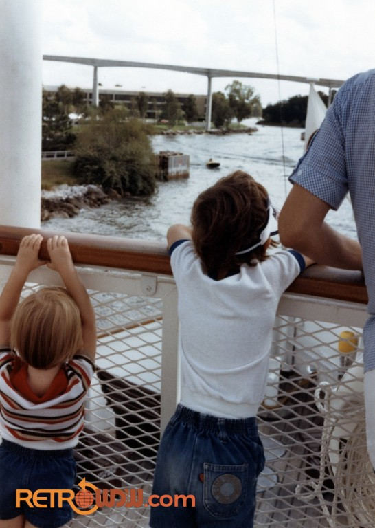 Boat to Discovery Island