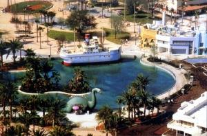 Lakeside Circle