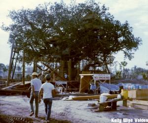 Swiss Family Treehouse Construction
