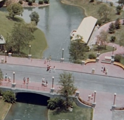 Magic Kingdom Hub Plaza bridge