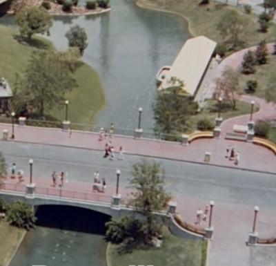 Magic Kingdom Hub Plaza bridge